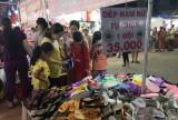 Phiên chợ hàng Việt về nông thôn tại Thạnh Hóa