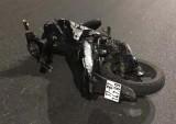 Lái xe máy đèo 5 người đâm dải phân cách, 4 người tử vong