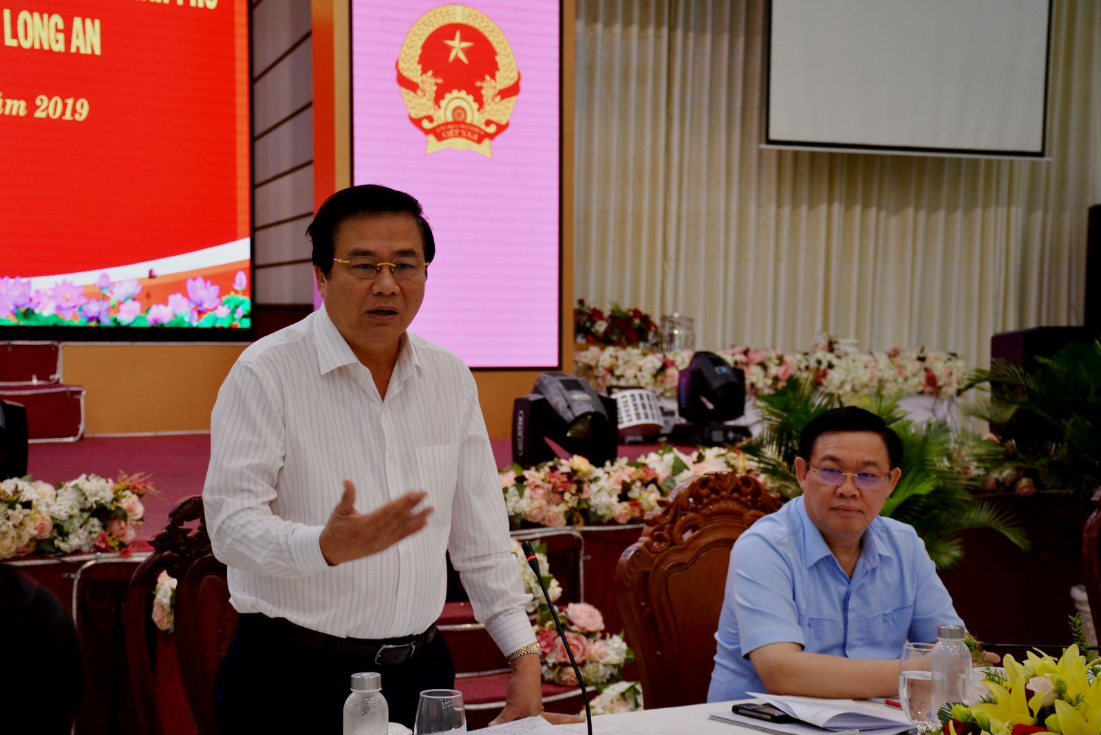 Secretary of the Provincial Party Committee and Chairman of the Provincial People's Council - Pham Van Ranh raises recommendations to the Central