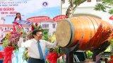 Nguyên Chủ tịch nước - Trương Tấn Sang dự lễ khai giảng năm học mới tại Trường THPT Hậu Nghĩa