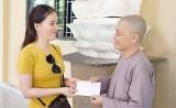 Viện Thẩm Mỹ DIVA tặng quà cho trẻ mồ côi tại Chùa Pháp Tánh