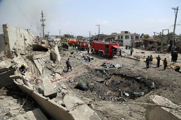 Hiện trường một vụ đánh bom tại Kabul. (Ảnh: AP)