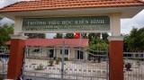 Tân Thạnh: Trường học ven Quốc lộ nâng cao cảnh giác, bảo đảm an ninh trật tự