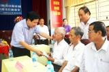 Lãnh đạo huyện Cần Đước tham gia hoạt động Về nguồn tại xã Long Hựu Tây