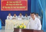 Người dân Thủ Thừa quan tâm vấn đề thu gom và vận chuyển rác thải sinh hoạt
