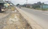 Hòa Khánh Đông: Một hộ dân phản ánh việc đào mương thoát nước giải quyết tình trạng ngập úng cục bộ tuyến đường N2