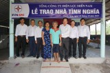 Tổng Công ty Điện lực Miền Nam trao hai căn nhà tình nghĩa tại huyện Thạnh Hóa
