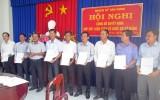 Tân Hưng: Công bố quyết định sắp xếp, kiện toàn tổ chức cơ sở Đảng