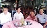Đức Hòa: Thăm gia đình chính sách nhân họp mặt Trung huyện lần thứ 34