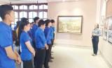 Trên 7.600 lượt người đến thăm viếng và dâng hương tại Khu Lưu niệm đền thờ Luật sư Nguyễn Hữu Thọ