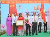 Long An: Trường THCS thị trấn Tân Thạnh đón nhận Huân chương Lao động hạng Ba