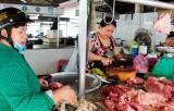 Cần Đước: Giá thịt heo tăng cao