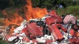 Đức Hòa: Tiêu hủy hơn 142.000 gói thuốc lá ngoại nhập lậu