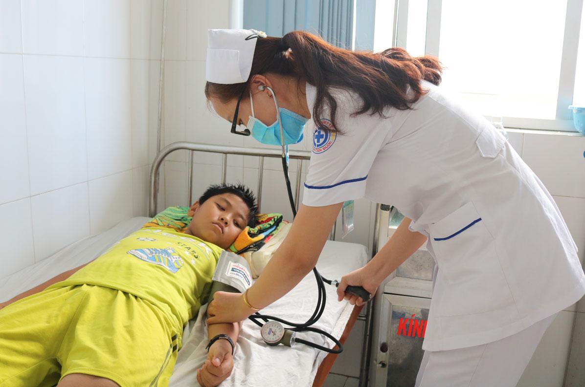 Bảo hiểm y tế học sinh, sinh viên là nguồn hỗ trợ tài chính khi các em không may ốm đau, bệnh tật