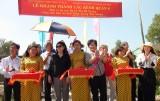 Đức Huệ: Khánh thành cầu giao thông nông thôn và tặng Mái ấm tình thương
