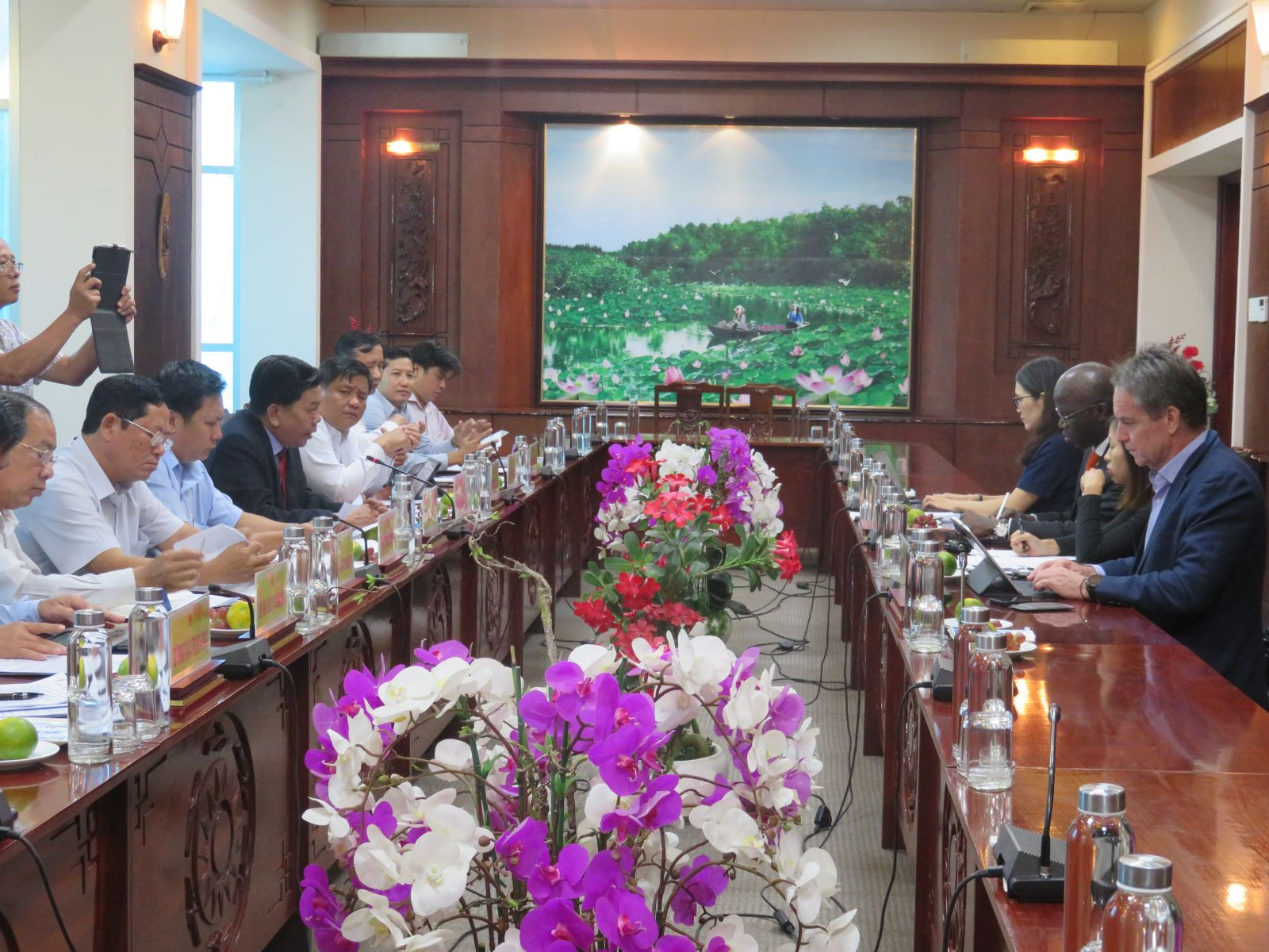 The working session between the provincial People's Committee and the World Bank in Vietnam