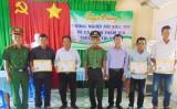 Châu Thành: Khen thưởng gương người tốt và truy bắt tội phạm