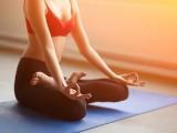 Yoga cải thiện giấc ngủ, giảm đau lưng