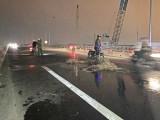 Nhớt đổ, nhiều xe trượt té tại cầu trên tuyến tránh QL1 - TP.Tân An