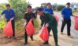 Tuổi trẻ chung tay chống rác thải nhựa và túi nylon