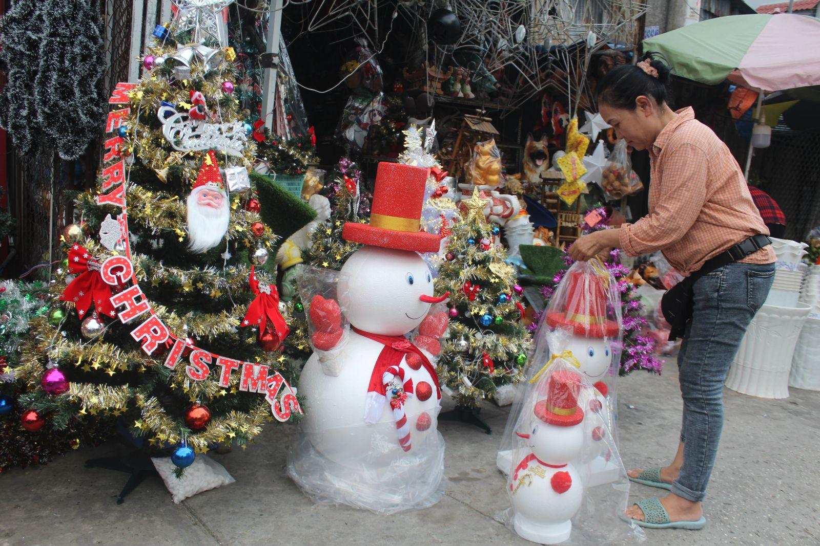 Hiện nay, giá các sản phẩm đặc trưng của mùa Noel tăng khoảng 10%