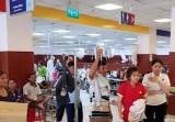 Hàng chục công nhân nhập viện cấp cứu do ngộ độc thực phẩm
