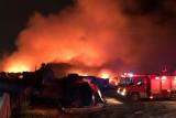 Cháy lớn thiêu rụi xưởng mút ở Đức Hòa