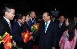Thủ tướng thăm Đại sứ quán và cộng đồng người Việt Nam tại Myanmar
