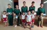 Tân Hưng: Học sinh mầm non thị trấn thăm cán bộ, chiến sĩ Ban Chỉ huy Quân sự huyện