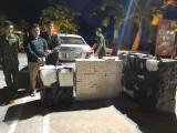 Ô tô chở thuốc lá lậu lúc rạng sáng bị Biên phòng bắt giữ