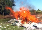 Đức Hòa: Tiêu hủy trên 67.000 gói thuốc lá lậu