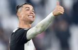 Ronaldo giúp Juventus thắng tưng bừng, Milan vẫn 'bất lực' dù có Ibra