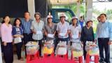 Đài Tiếng nói Nhân dân TP.HCM tặng quà tết cho người nghèo và gia đình chính sách tại Tân Thạnh