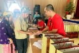 Quỹ Thiện Tâm – Tập đoàn Vingroup trao 1.300 suất quà tết cho hộ nghèo