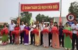 Nguyên Chủ tịch nước Trương Tấn Sang dự lễ khánh thành cầu giao thông nông thôn ở Thủ Thừa