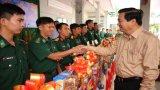 Bí thư Tỉnh ủy - Phạm Văn Rạnh thăm, chúc tết lực lượng làm nhiệm vụ trên tuyến biên giới