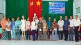 Phó Chủ tịch UBND tỉnh Long An - Phạm Tấn Hòa  tặng quà tết tại huyện Châu Thành