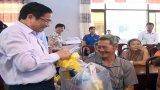 Trưởng ban Tổ chức Trung ương – Phạm Minh Chính tặng quà tết tại huyện Cần Giuộc, Đức Hòa
