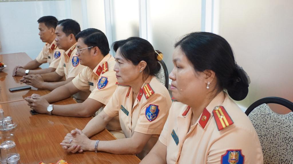 Cán bộ, chiến sĩ phòng CSGT Công an tỉnh Long An