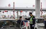 Trung Quốc phong tỏa nhiều thành phố nhằm ngăn chặn virus corona