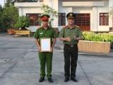 Công An tỉnh Long An thưởng nóng thành tích chống buôn lậu