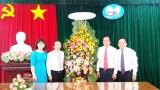 Đoàn khối Cơ quan và Doanh nghiệp tỉnh Long An chúc mừng kỷ niệm 90 năm Ngày thành lập Đảng