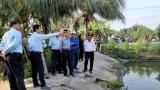 Kiểm tra việc bơm nước chống hạn, mặn Vành đai thủy lợi Nhựt Tảo - Tân Trụ