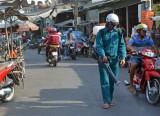 Cần Giuộc: Tiêu độc khử trùng các chợ, trường học, UBND các xã, thị trấn