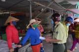 Đoàn liên ngành huyện Thạnh Hóa kiểm tra chợ Nông sản Thạnh Hóa phòng dịch