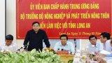 Bộ trưởng Bộ Nông nghiệp và Phát triển nông thôn - Nguyễn Xuân Cường khảo sát tình hình tiêu thụ thanh long Long An