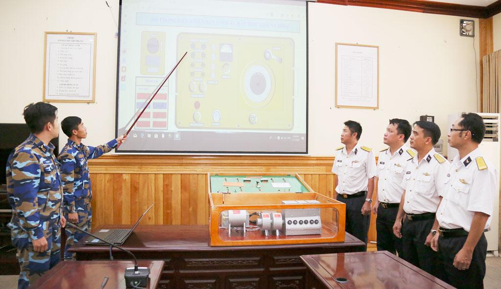 Tàu 513 giới thiệu về mô hình mô phỏng 3D điều khiển bắn WM-18 từ bàn điều khiển chính trên tàu K771