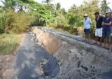Cà Mau: Sụt lún đường nghiêm trọng