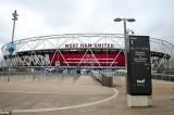 Các đội bóng Premier League cấm cầu thủ du lịch vì dịch Covid-19