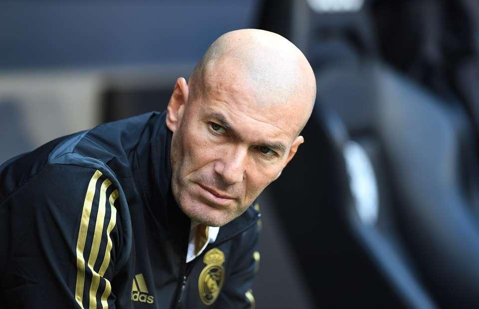Zidane tiếp tục được lãnh đạo Real Madrid ủng hộ bất kể kết quả mùa này